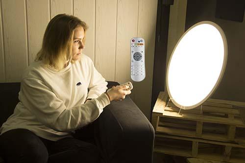 Contralar los kelvin y la intensidad de la lámpara de fototerapia